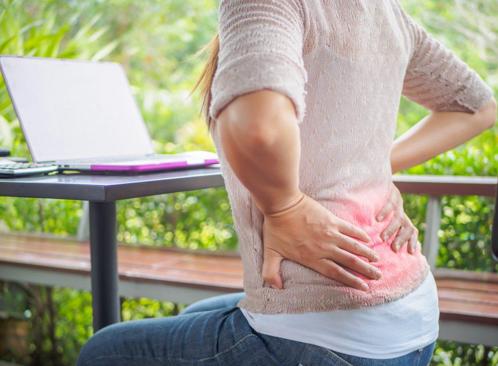 腰痛はなぜ起こる? 辛い痛みに整体は有効?